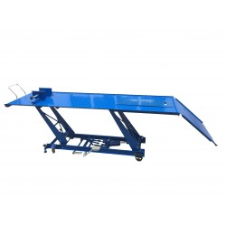 MC04101DA - Table élévatrice manuelle pour motos / 450 kg. Plateforme : 2200 x 680 mm
